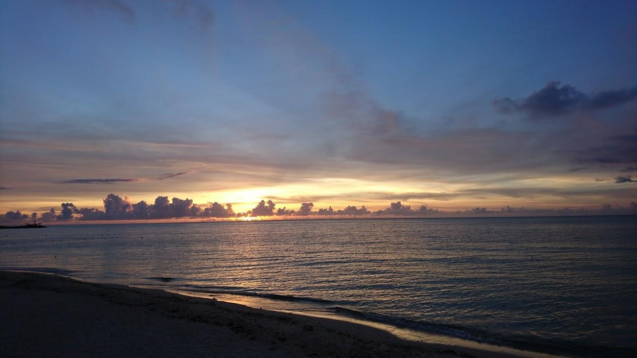今、ツライ・眠れないあなたに届けたい 沖縄から癒やしのサンセット