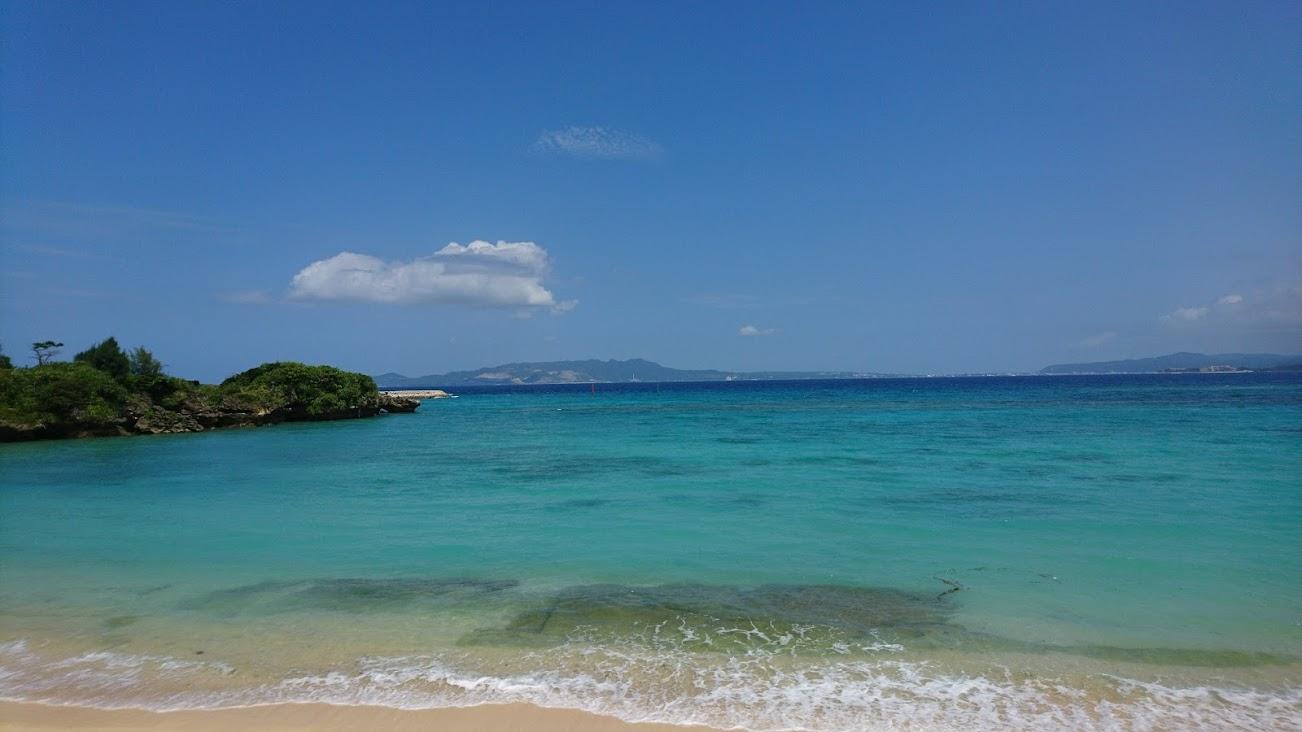 【恩納村暮し】「療養で海の見える部屋でのんびり暮したい」私が沖縄の海の目の前で暮したときの思わぬ誤算