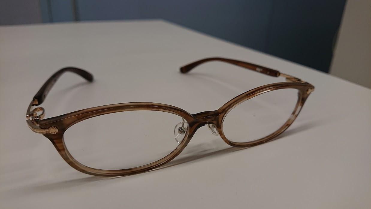 離脱症状から来る体調悪化で眼圧が上がりすぎて、新しくメガネを作りました。(室内用・ブルーライトカットレンズ)